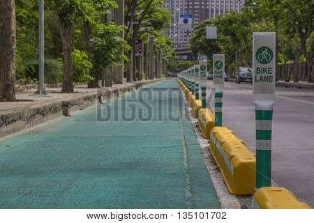 Bike lane on public road, Bike lane in city