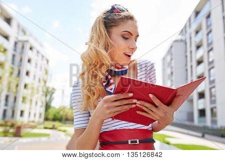 Portrait of a smiling business woman