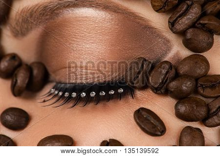 beautiful makeup for coffee beans close up