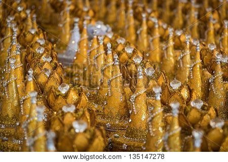 Offering sacrifices gold religious buddhism in asia
