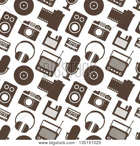 Seamless Pattern with Retro Media technology, flat icons set, vector illustration of tv, photo camera, cassette, radio tape recorder, microphone, diskette, headphones
