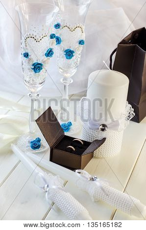 Wedding rings and wedding accessories for wedding