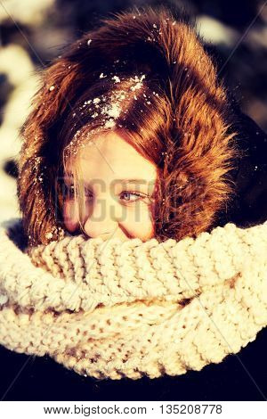Young woman outdoor in the winter