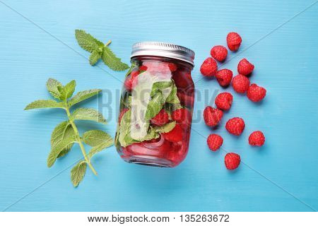 Infused water with mint and raspberries