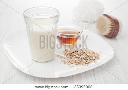 milk honey oatmeal in recipes homemade cosmetics