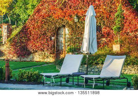 autumn villa