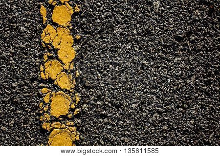 The Yellow line crack on the road