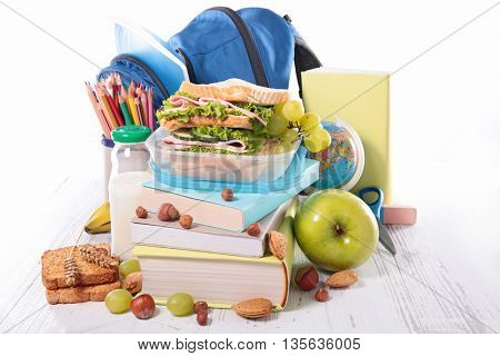 sandwich with fruit for school