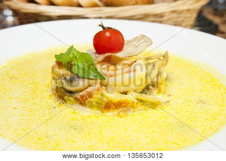Shrimp soup puree of mushrooms and vegetables