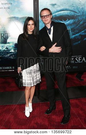 NEW YORK-DEC 7: Actors Jennifer Connelly (L) and Paul Bettany attend the New York premiere of