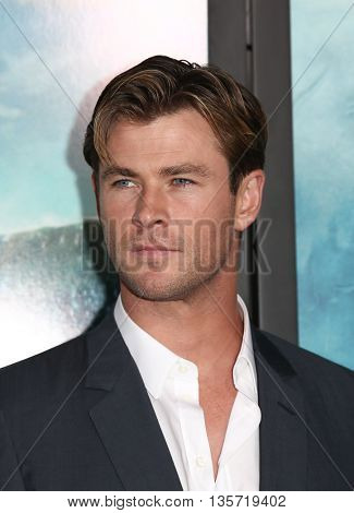 NEW YORK-DEC 7: Actor Chris Hemsworth attends the New York premiere of