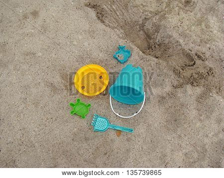 plastic play toys for at the beach