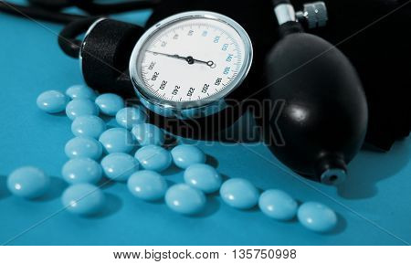 Blood pressure device and tablets