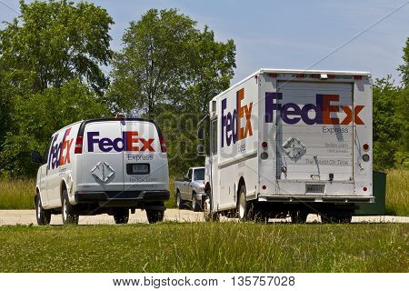 Indianapolis: Circa June 2016: Federal Express Customer Pickup Location. FedEx is a Worldwide Delivery Company IX