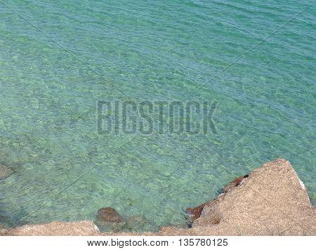 Crystal water with natural rocks - Mare cristallino con scogliera di alghe