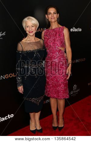 NEW YORK-MAR 30: Actors Katie Holmes (R) and Helen Mirren attend the