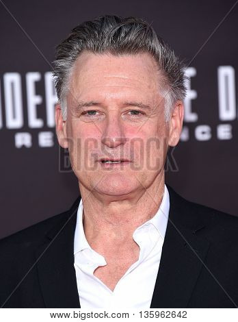 LOS ANGELES - JUN 20:  Bill Pullman arrives to the