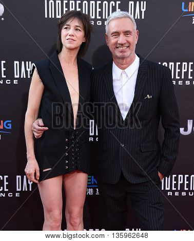 LOS ANGELES - JUN 20:  Charlotte Gainsbourg & Roland Emmerich arrives to the
