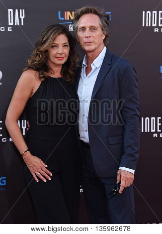 LOS ANGELES - JUN 20:  William Fichtner arrives to the
