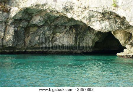 Jamaica_Cave