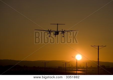 Airliner On Final