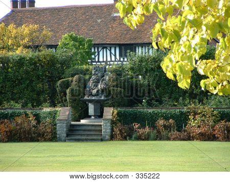 Sculpture  Stratford 002