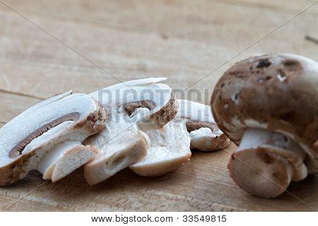 Organic bella mushrooms