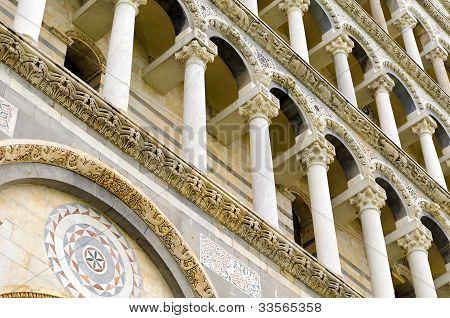 Colonnaded facades