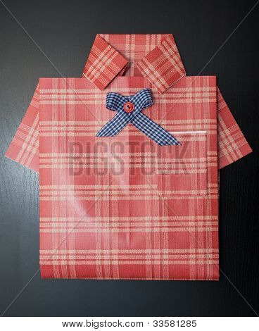 Gift Wrapping As A Shirt.