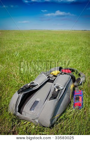 Skydiving parachutes
