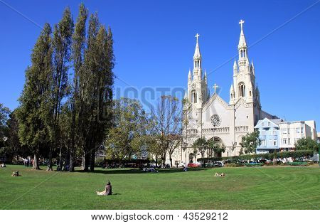 Sts. Peter And Paul Church In San Frascisco - Usa.sts. Peter And Paul Church In San Frascisco - Usa.