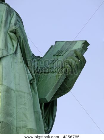 Staue Of Liberty Holding Tablet July 4,1776
