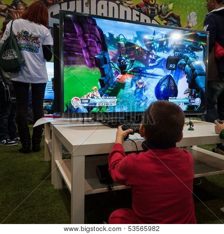 Kid Plays At Games Week 2013 In Milan, Italy