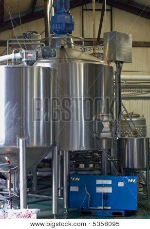 L.i. Micro Brewery 4 0609