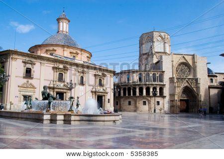 Plaza Del Al Virgen