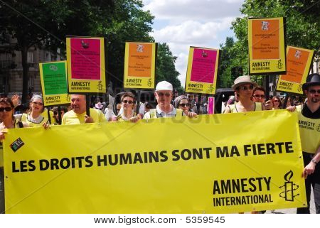 Amnesty International At Paris Gay Pride 2009