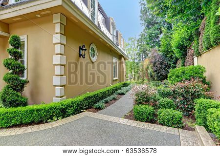House Wall With Walkway