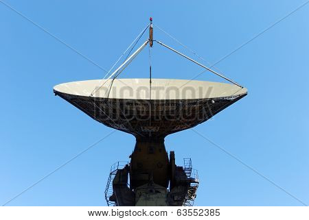 Parabolic antenna of a radio telescope