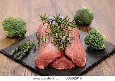 Lamb Fillet With Rosemary And Thyme