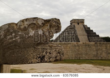 Snake Head, Chichen Itza