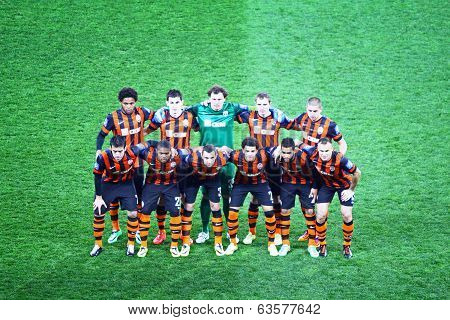 Fc Shakhtar Donetsk Team Pose For A Group Photo