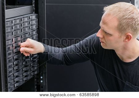 IT Consultant working with SAN hard drive