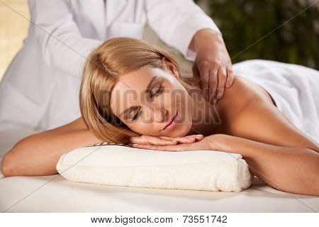 Pleasant Back Massage
