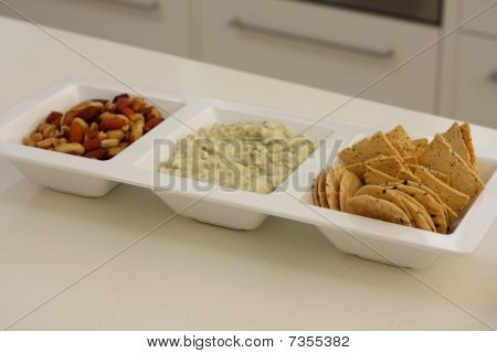Nuts Dip And Crackers Entree