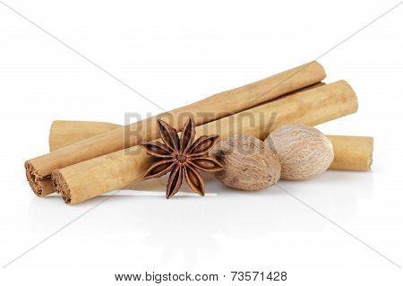 True Ceylon Cinnamon Sticks With Nutmeg And Anise