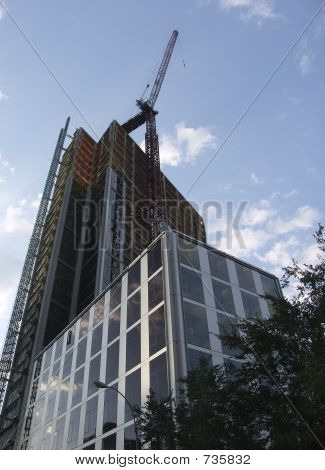Construction of the skyskraper