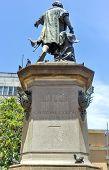 pic of christopher columbus  - Christopher Columbus Statue in Parque Colon Santo Domingo Caribbean - JPG