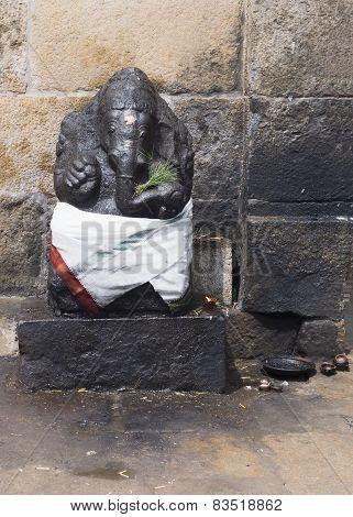 Lord Ganesha At Gangaikunda Temple.