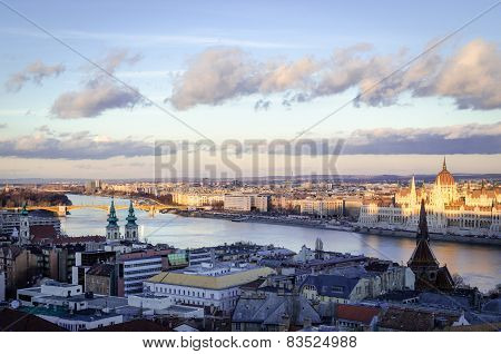 Budapest, panorama with Parliament and Danube at sunset