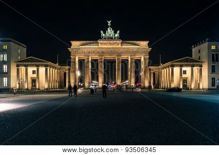 Brandenburg Gate (brandenburger Tor) At Night